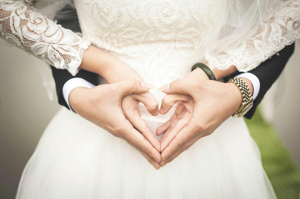 wedding limousine decoration - wedding couple