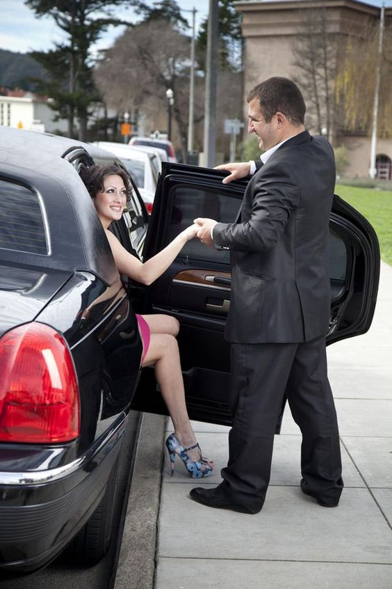 how to behave in limousine - how to get in and out of the limousine