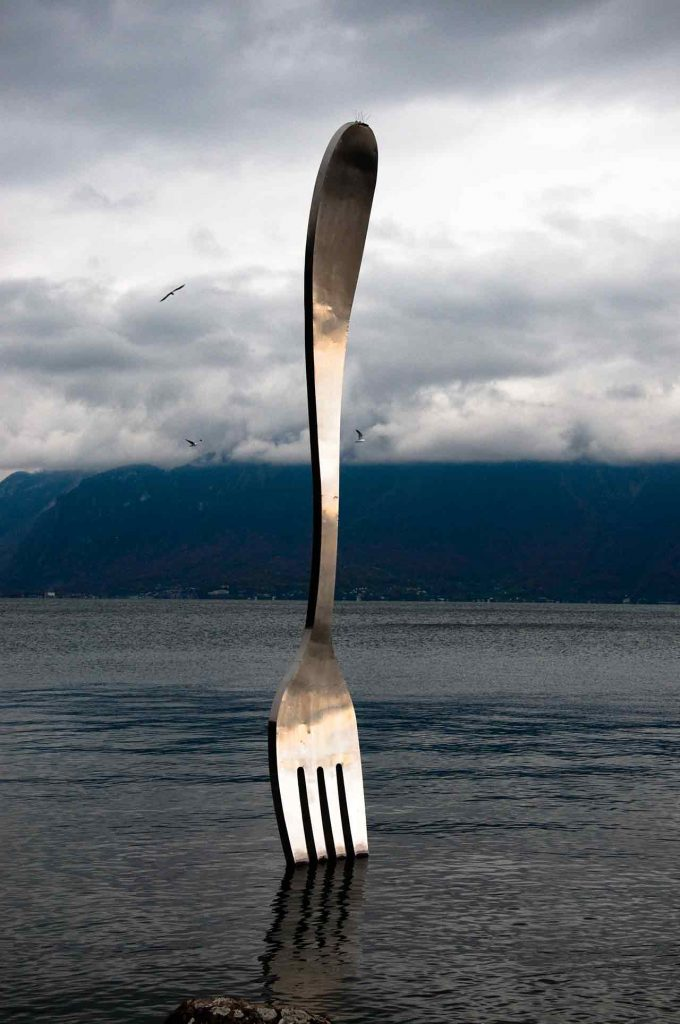 fork statue Vevey - Geneva place to visit