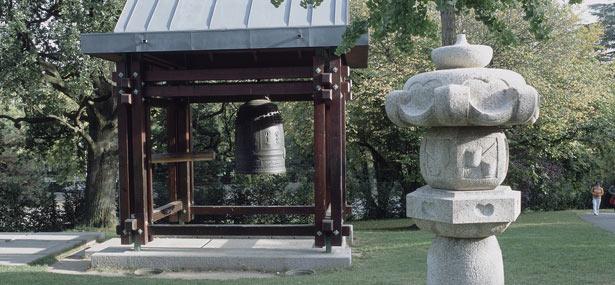 replica of the Shinagawa bell