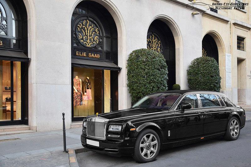 roll`s royce limousine