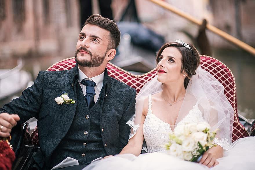 wedding gondola - wedding in a gondola